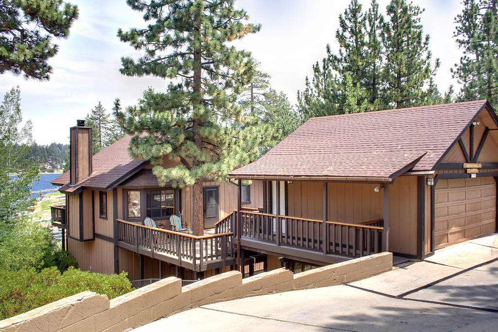 707 Cove Drive, Big Bear Lake, CA 92315